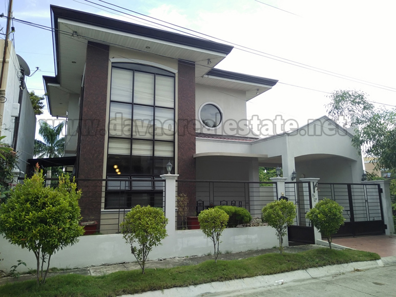 GR207 : Robinsons Highlands Crest 2 Storey Semi-Furnished House and Lot, Davao City