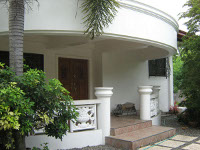 House with a HUGE Lot besides Robinsons Highlands Buhangin For Sale!