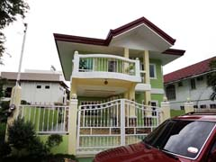 CDMDR467 : Two Storey Six Bedroom Ma-a House and Lot