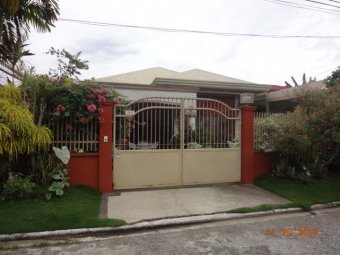 MDR501 : Central Park Subdivision Four (4) Bedroom House and Lot, Bangkal, Davao City